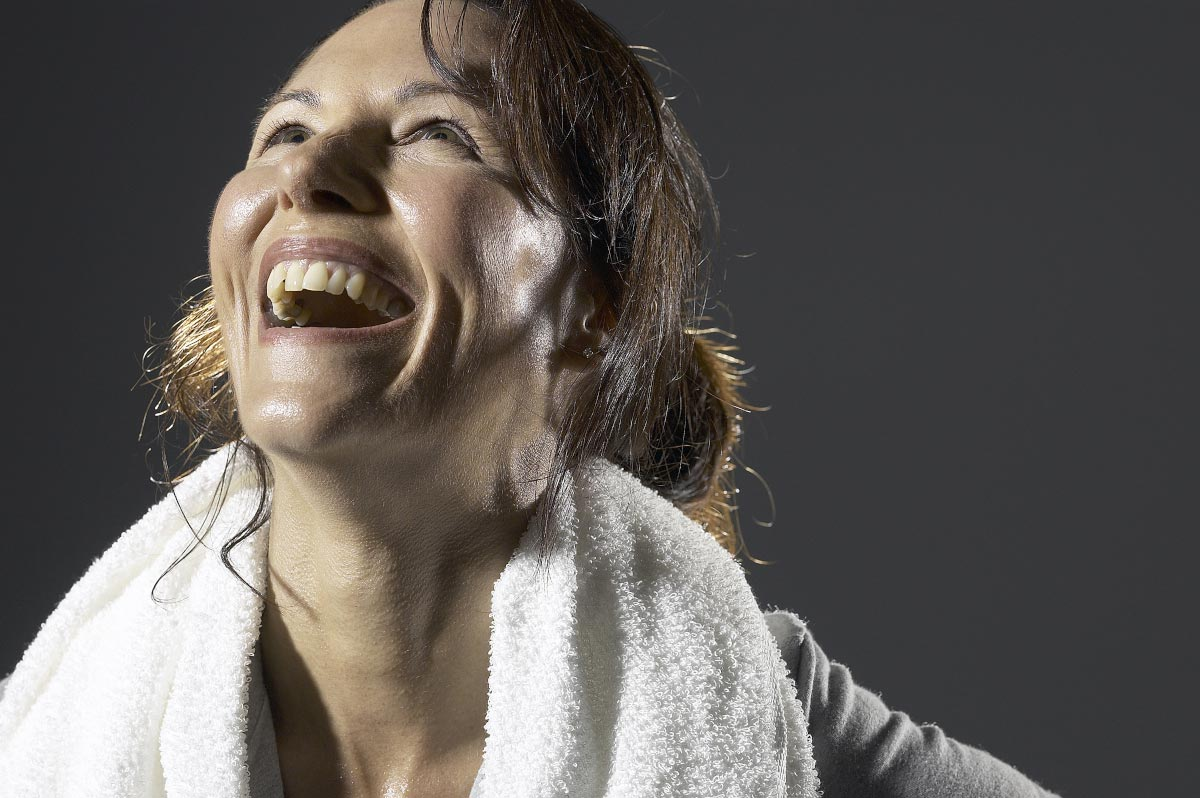 Woman-Laugh-Fitness-Towel