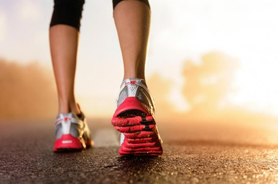 Woman-Legs-Fitness-Exercise-Run-Shoes